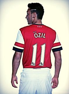 zp 179654231 SM 7838 {Pictures} Star signing Mesut Ozil photoshoot in his new Arsenal kit Football Arsenal, Football Stuff, Ozil Mesut, Arsenal Kit, Arsenal Sport, Soccer Tips, Professional Football, Adidas, Arsenal Football