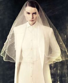 22 Bridal Fashion Editorials - From Bohemian Bride Editorials to Whimsical Wedding Editorials (TOPLIST)