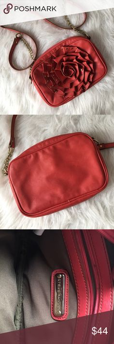 Steve Madden Flower Crossbody Steve madden flower cross body and an orange like red color. Gently used - in really great condition! Steve Madden Bags Crossbody Bags