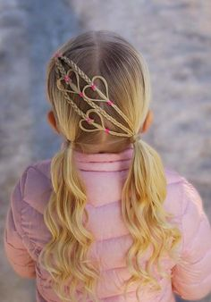 Check out the beautiful pigtail curls for kids girls 2018 to create right now. Find here the different ideas of easy hairstyles for kids boys and girls to give attractive and cool look. These are amazing and best hair trends for kids around the world. Easy Hairstyles For Kids, Baby Girl Hairstyles, Trendy Hairstyles, Famous Hairstyles, Teenage Hairstyles, Hairstyles 2018, Hairstyle For Kids, School Picture Hairstyles, Heart Hairstyles