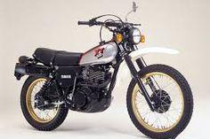 Resultado de imagen de depósito de motos de enduro japonesas