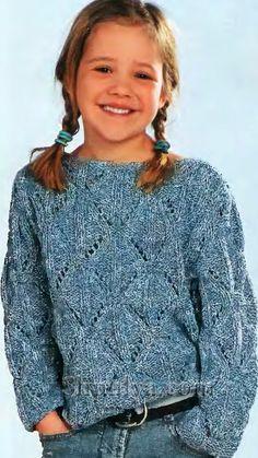 Ажурный голубой пуловер для девочки, вязаный спицами