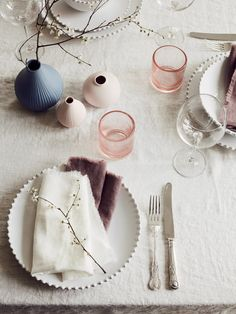 How do you style an Easter Table Setting to make it look which yet effortless? With Layered Lounge its easy. We have all you need. Simply lay our your finest tableware, ours pictured here is the Pearl Range, and dot a few of our stunning matt ceramic bud vases thought the table, add in some coloured glasses/votives as we have here and then pinch a few sprigs of blossom or blooms from your garden and place just a select few sprigs in each vase. You need not fill all of them! Voila!