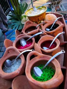 Dessert in clay pots are commonly seen in every corner in Thailand