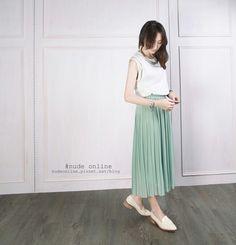 Baby green long skirt