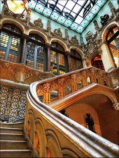 Palau del Baró de Quadras,  Barcelona, Catalunya http://www.barcelonaturisme.com/Palau-Baro-de-Quadras/_3Ngb8YjSpL3U56ScBHOWcxpDev_Vr2xe1VndHTR2bntNIGNsZvWmFA