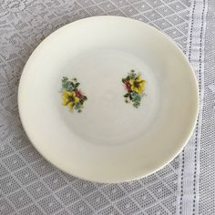 Vintage Melamine Floral Dinner Plate / White Plastic Plate with Flowers / Made in Hong Kong by vintagepoetic on Etsy