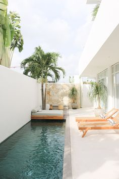 Small Backyard Pools, Backyard Pool Designs, Swimming Pools Backyard, Swimming Pool Designs, Lap Pools, Pool Landscaping, Bali Style Home, Small Pool Design, Exterior Design