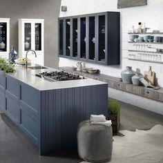 Weiße Landhausküche, Rustikale Küche mit weißen Fronten Foto ... | {Rustikale landhausküchen weiss 58}