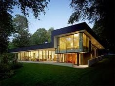 Luxurious-Glass Lake-house-For-Large-Family