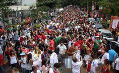 27/jan/2013 - BRASIL - SÃO PAULO - Av. FARIA LIMA - Desfile do bloco Cordão Carnavalesco Confraria do Pasmado, pelas ruas da Vila Madalena. By FSP.
