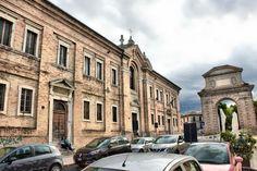 Jesi: Ex Conservatorio delle Fanciulle Povere della Divina Provvidenza con Chiesa di S. Ubaldo