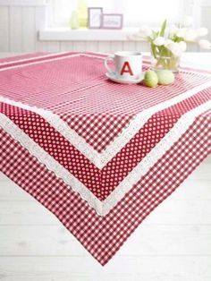 Love this for our new barn table! Need to keep my eyes open for fabric and lace! Table Runner And Placemats, Quilted Table Runners, Linen Tablecloth, Table Linens, Tablecloths, Kitchen Linens, Kitchen Towels, Barn Table, Red Gingham