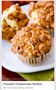 These Pumpkin Cheesecake Muffins are incredible! Cinnamon-spiced and topped with tons of streusel.Source From Cinnamon-spiced Muffins and topped with tons of streusel. Pumpkin Recipes, Fall Recipes, Holiday Recipes, Cupcakes, Cupcake Cakes, Yummy Treats, Sweet Treats, Yummy Food, Just Desserts
