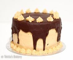 Banana caramel chocolate cake recipe on blog www.tekila.fi