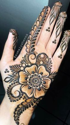 beautiful floral palm henna by design heavinly inspired by Floral Henna Designs, Full Hand Mehndi Designs, Mehndi Designs For Girls, Simple Arabic Mehndi Designs, Henna Art Designs, Mehndi Designs For Beginners, Indian Mehndi Designs, Mehndi Designs 2018, Mehndi Designs For Fingers