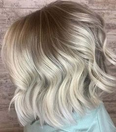Best ever combination of bob haircuts with shadow rooted blonde hair color for bold ladies to try in 2020. You have to check out this perfect bob cut for modern and cool personality in year 2020. No doubt this is one of the best bob haircut styles for every woman to sport nowadays. Bob Haircuts 2017, Best Bob Haircuts, Bob Haircuts For Women, Hair Color Balayage, Blonde Balayage, Blonde Hair, Shadow Root Blonde, Modern Bob Hairstyles, Best Bobs