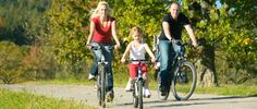 Wir machen gerne kleine Fahrradtouren in der Umgebung. Bewegung, frische Luft, entspannend – und das alles für umsonst!