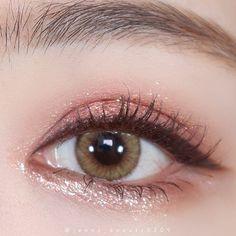 Makeup Kit, Makeup Eyeshadow, Makeup Cosmetics, Face Makeup, Korean Eye Makeup, Asian Makeup, Cool Things To Make, Make Up, Nail Inspo