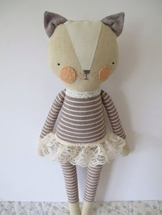 muñeca de niña  gato lovie  kitty  por luckyjuju