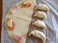 la pasta sfoglia in 8 spicchi. Party Finger Foods, Finger Food Appetizers, Snacks Für Party, Antipasto, My Favorite Food, Favorite Recipes, Fingerfood Party, Italian Recipes, Food Inspiration