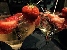 #nheromilano #cocktailbar #loungebar #milanocity #milanoeventi #milanoexpo2015 #milanobynight #milanodavedere #milanodabere #cocktails #aperitivotime #aperitivo #aperitivomilano #nightout #nightlife #hugo #saintgermain #stgermain #liquore #sambuco #bollicine #fragole #goodtaste #bestdrinksever #drinks #drinkporn Nhero Milano da provare! Sempre aperti con tante sorprese by nheromilano