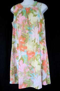 Lorraine Short Silky Nightgown Small Nylon Flower Power Mod Vintage 1960's #Lorraine #Gowns