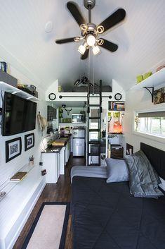 Tiny Happy Homes | Mendi's tiny home | Non-lofted bed