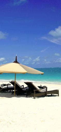 Bask on the white sand beaches in #TurksandCaicos.