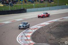 #Aston_Martin et #Cobra au Grand Prix de l'Age d'Or. #MoteuràSouvenirs Reportage complet : http://newsdanciennes.com/2016/06/06/jolis-plateaux-beau-succes-grand-prix-de-lage-dor-2016/ #ClassicCar #VintageCar