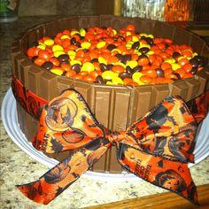 Halloween Kit Kat cake