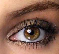 Eye Makeup For Brown Eyes | Brown eyes with metallic brown makeup.