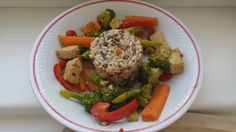 Hana blogs ... gluten free, vegan veggies with tofu and rice. No oil!  #healthy #food #glutenfree #vegan #tofu #veggie #rice #delicious #lunch #dinner