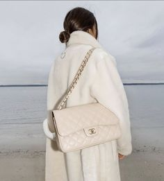 Style Inspiration: Pure Romance for Warm February Nights :: This Is Glamorous White Chanel Bag, Doll Quilt, Daily Fashion, Fashion Women, Girl Fashion, Fashion Clothes, Style Fashion, Fashion Ideas, Fashion Tips