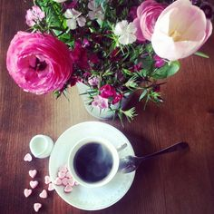 Coffee Time, Coffee Beans, I Foods, Book, Tableware, Flowers, Wedding, Good Morning, Valentines Day Weddings