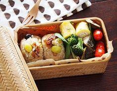 お弁当に人気のおにぎりレシピ35選★簡単な具から変わり種まで!