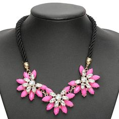 Crystal Flower Chunky Necklaceis available now from ourUK warehouse  Free shipping to UK in3-6business days Ship to other European countries in7-10days Description: Gender: Women Color: Black, Blue, Red Material: Alloy, Crystal Total...