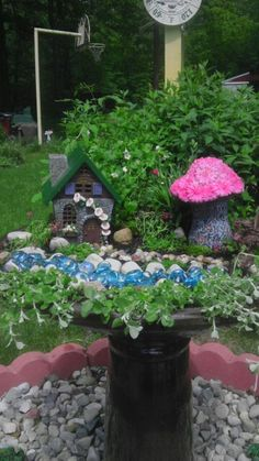 Here's another diy fairy garden u created.