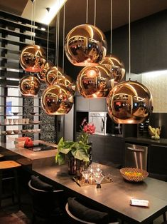 Beleuchtung Tom Dixon, Black is still in for the Winter of 2006 Black is back and bigger Home Lighting, Chandelier Lighting, Lighting Design, Copper Lighting, Kitchen Lighting, Chandeliers, Tom Dixon Lighting, Modern Wall Sconces, Luminaire Design