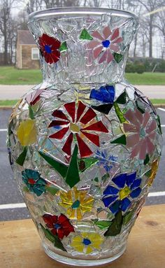 DIY mosaic craft projects are always a beauty to behold. This article showcases 15 Easy but Stunning DIY Mosaic Craft Projects for your Home Décor Mosaic Crafts, Mosaic Projects, Stained Glass Projects, Stained Glass Art, Stained Glass Windows, Craft Projects, Mosaic Vase, Mosaic Tiles, Mosaics