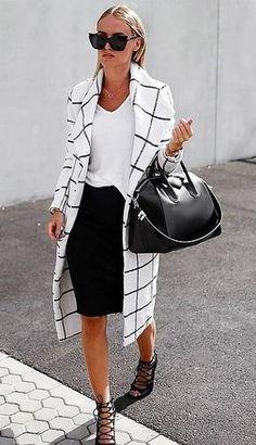 Если вы не любите тратить время на сборы по утрам, шоппинг, гонку за модными трендами, но хотите оставаться стильной минимализм в одежде - то, что вам нужно. Этот стиль идеально подойдёт уверенной в себе современной женщине, которая не ищет витиеватых способов украсить себя. Минимализм - это…