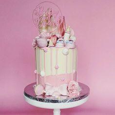 : @kekandco. #babyshower #cake #kake #delikat #beautiful #inspo #detlilleekstra #dinbabyshower #dåp #navnefest #fødsel #inspiration #inspirasjon #art #kunst