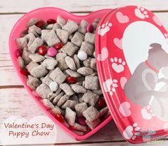 Valentine's Day Puppy Chow Recipe (aka Muddy Buddies) is an easy kid friendly snack that everyone will enjoy - Gator Mommy Reviews