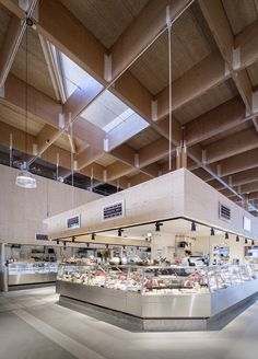 Precedent/ Temporary Ostermalm Stockholm Foodhall by Tengbom architects. Timber Architecture, Timber Buildings, Architecture Design, Public Architecture, Commercial Architecture, Market Hall, New Market, Farmers Market, Lvl Beam