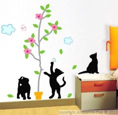 This cat and tree flowers wall decal will transform your indoor decoration.