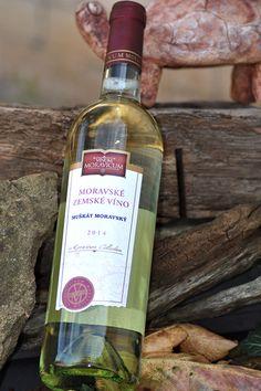 Bílé víno - Muškát moravský Moravské zemské - Vinum Moravicum a.s. Drinks, Bottle, Products, Drinking, Beverages, Flask, Drink, Jars, Gadget