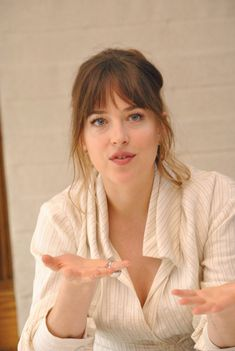 How can she be so flawless! ❤️❤️❤️  January, 24th: Dakota at the Fifty Shades Freed Press Conference; (5) #DakotaJohnson #FiftyShadesFreed   : @FiftyShadesEN Via. @DakotaFanClub