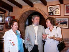 Marina González, Nicolás Seisdedos y M.ª Victoria de la Cruz en la jubilación de Nicolás