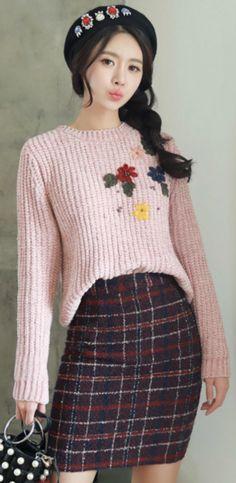 StyleOnme_Color Mix Tweed H-Line Skirt #cute #tweed #pencilskirt #falltrend #dailylook #koreanfashion #kstyle #kfashion #falltrend