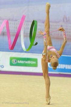 Yana Kudryavtseva (Russia) / individual rhythmic gymnast / apparatus ribbon